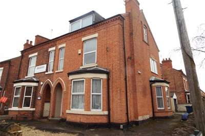 5 Bedrooms House Share for rent in *PROFESSIONAL HOUSE SHARE* Rectory Road, West Bridgford