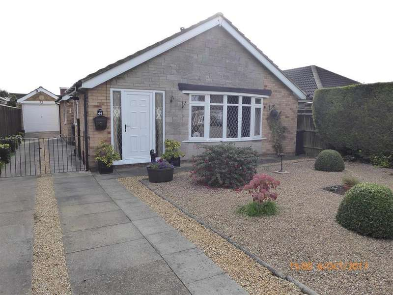 3 Bedrooms Detached Bungalow for sale in Langton Road, Holton-Le-Clay, Grimsby