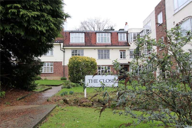 1 Bedroom Flat for sale in The Close, Muswell Avenue, Muswell Hill, London