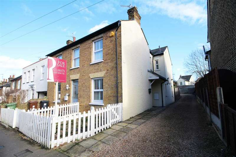 2 Bedrooms House for sale in Park Road, Bushey, WD23.