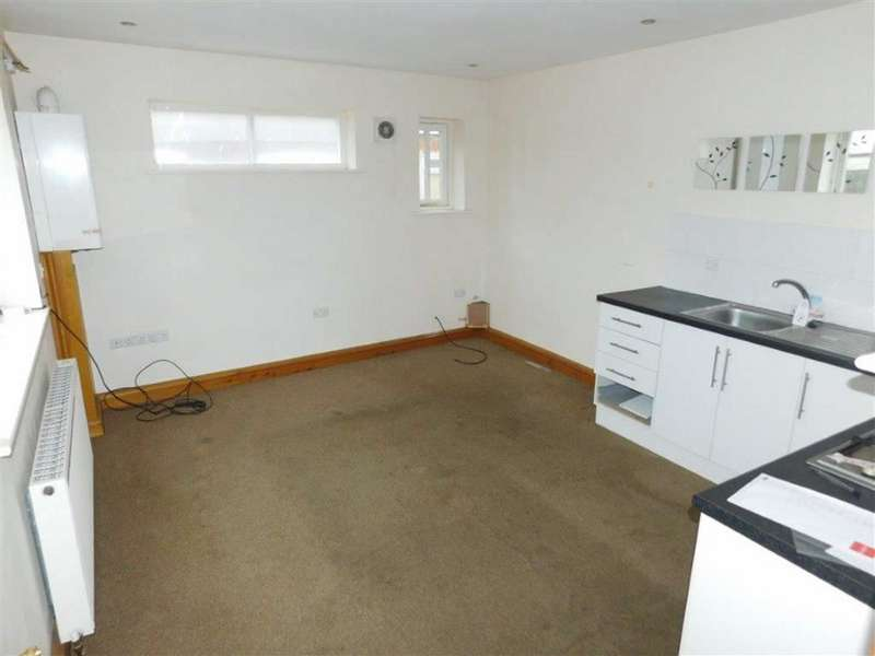 2 Bedrooms Flat for sale in Welcroft Street, Stockport, Stockport