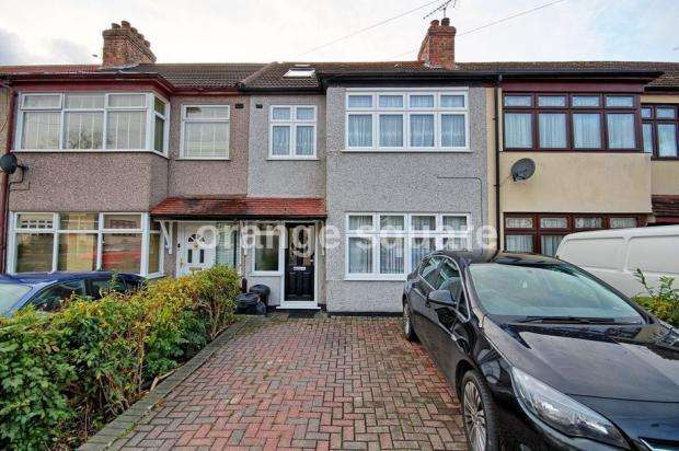 4 Bedrooms Terraced House for sale in lynton avenue, ilford RM7