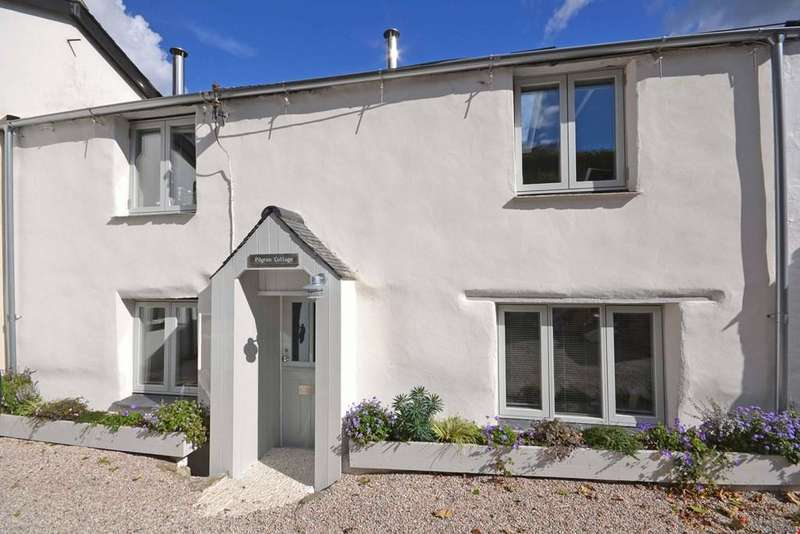 2 Bedrooms Terraced House for sale in Porth, Newquay, Cornwall, TR7