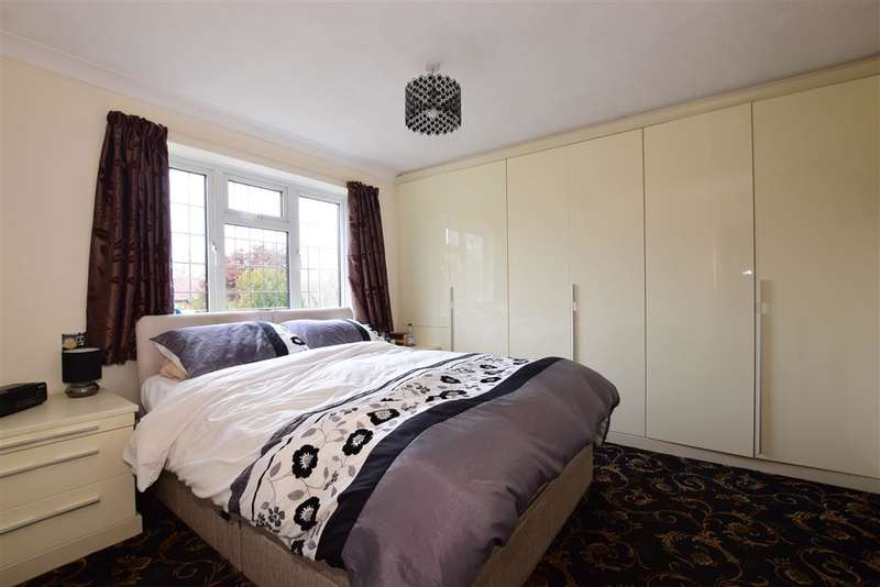 3 Bedrooms Detached House for sale in Chase Road, , Lindford, Bordon, Hampshire