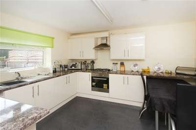 3 Bedrooms Semi Detached House for rent in High Street, Mosborough, Sheffield, S20