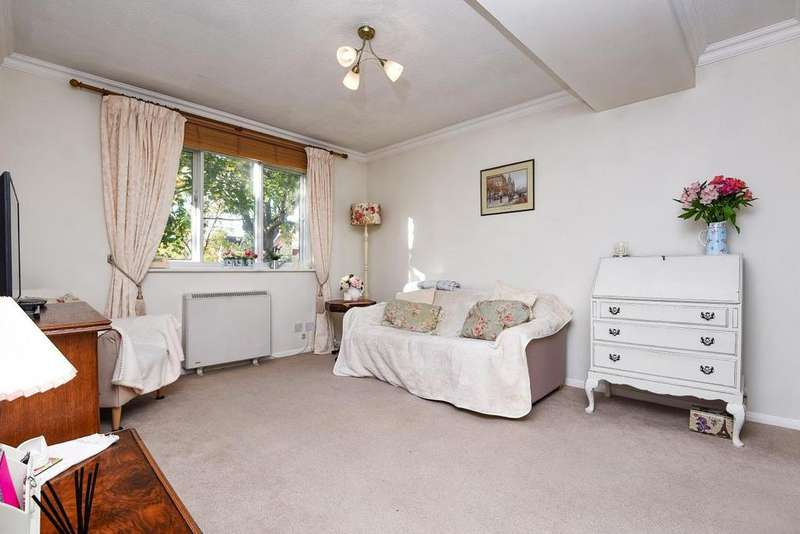 1 Bedroom Flat for sale in Caroline Close, Streatham