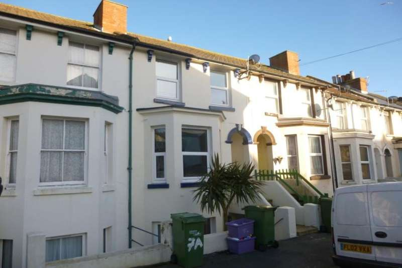 2 Bedrooms Flat for sale in Darby Road, Folkestone, CT20