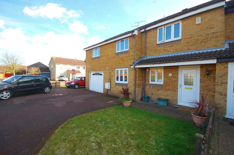 4 Bedrooms Semi Detached House for sale in Rubens Gate, Springfield, Chelmsford, CM1