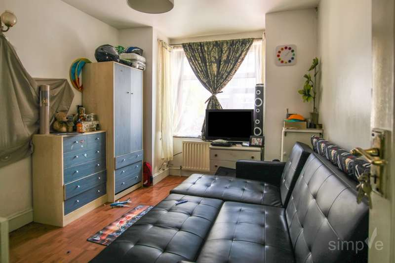 4 Bedrooms Terraced House for sale in Beverly Road, Southall, UB2