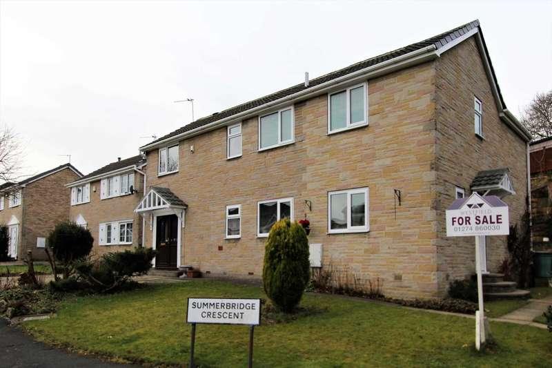 4 Bedrooms Detached House for sale in Summerbridge Crescent, Gomersal