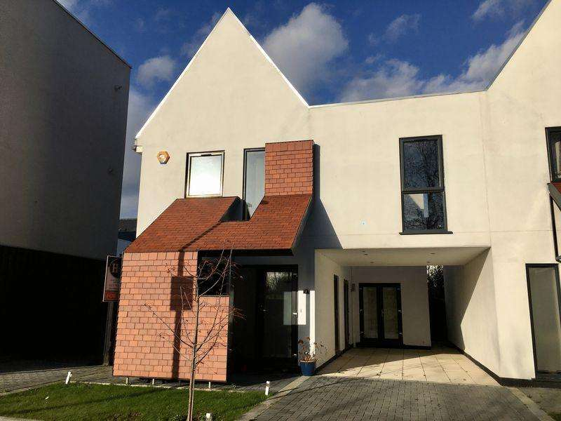 4 Bedrooms Semi Detached House for sale in Braggowens Ley, Newhall