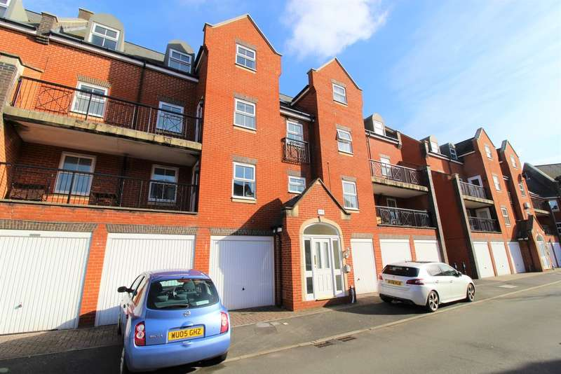 2 Bedrooms Flat for sale in Lynmouth Road, Churchward