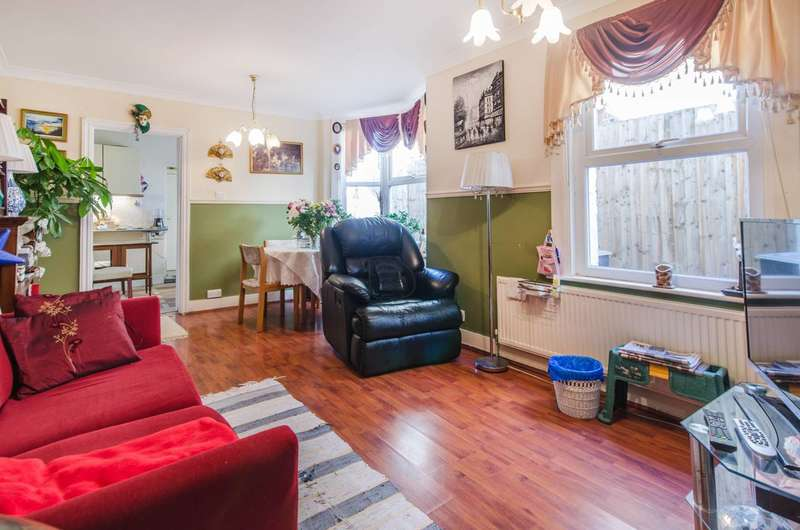 2 Bedrooms Flat for sale in Trundleys Road, New Cross, SE8