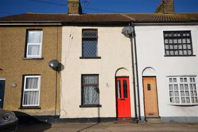 2 Bedrooms Terraced House for rent in Bennetts Cottages, Station Road, Rainham