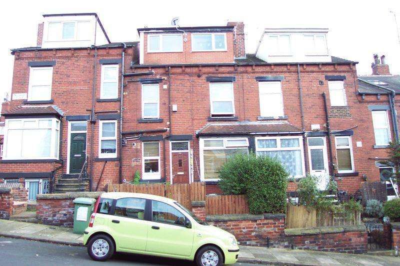 4 Bedrooms Terraced House for sale in Woodside Place, Leeds