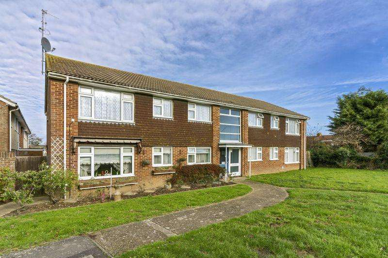 3 Bedrooms Flat for sale in Bushby Close, Lancing