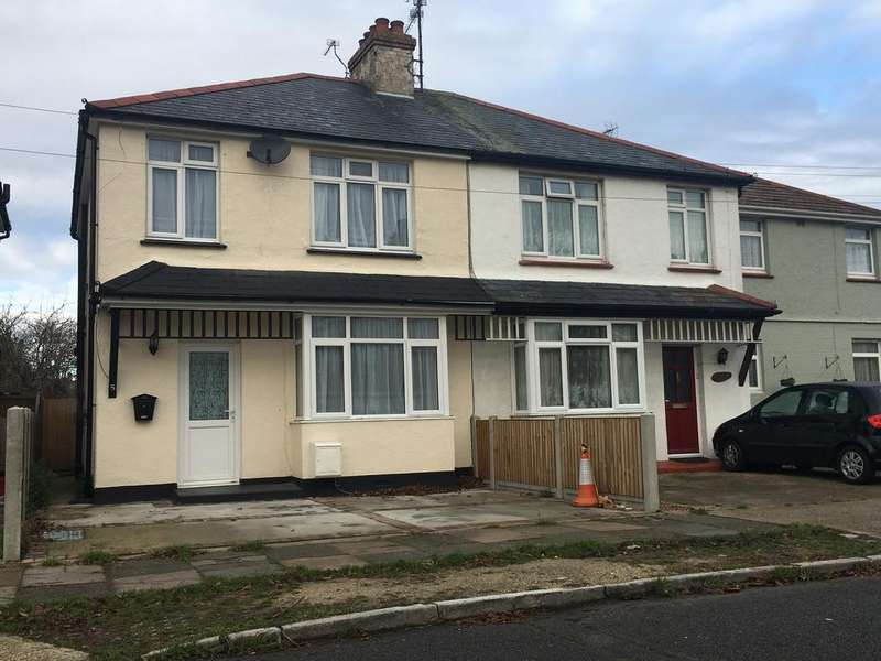 3 Bedrooms Semi Detached House for rent in Berkeley Road , Clacton-on-Sea CO15