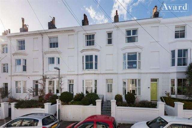 1 Bedroom Flat for sale in 18 Clifton Street , Brighton, BN1 3PH