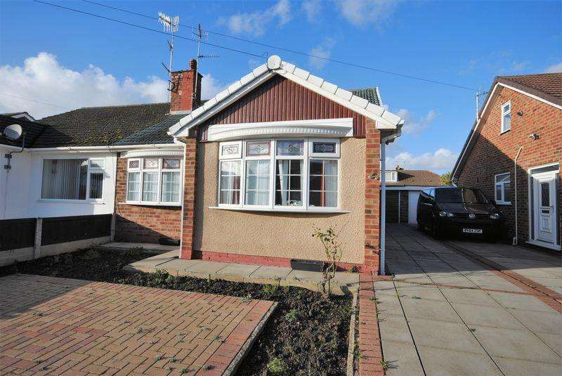 2 Bedrooms Bungalow for sale in Tenby Drive, Moreton