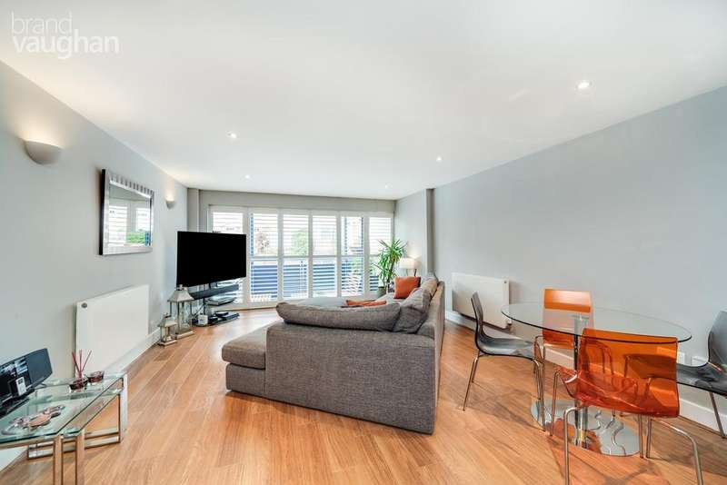 2 Bedrooms Apartment Flat for sale in York Avenue, Hove, BN3