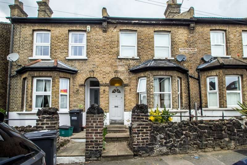 3 Bedrooms Terraced House for sale in Bungalow Road, London, London, SE25