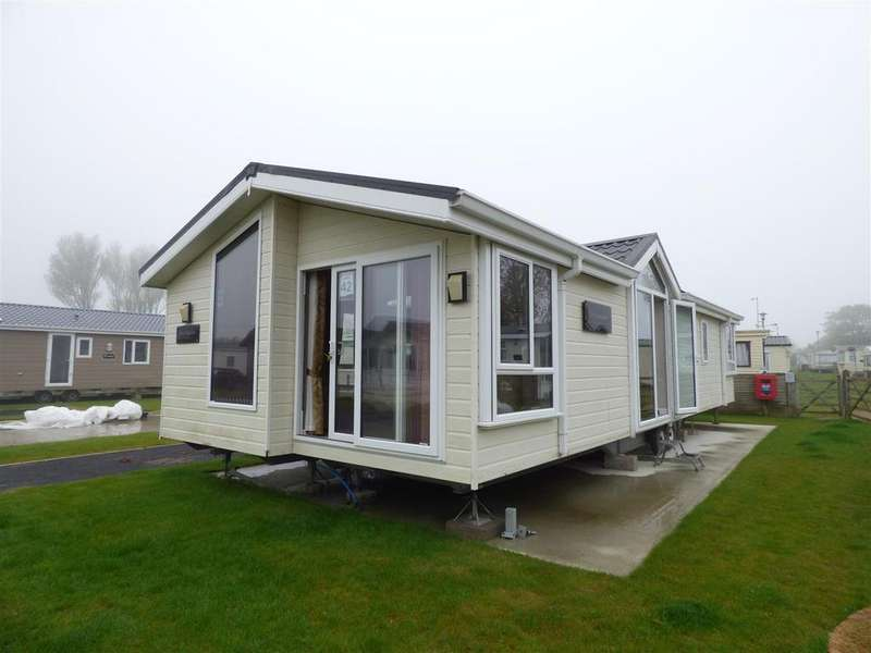 2 Bedrooms Detached House for sale in Hythe Road, Dymchurch, Romney Marsh