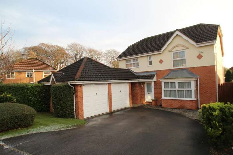 4 Bedrooms Detached House for sale in WOODLEA APPROACH, MEANWOOD, LEEDS, LS6 4SA