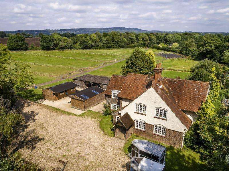 6 Bedrooms Equestrian Facility Character Property for sale in Horsham Road, Guildford