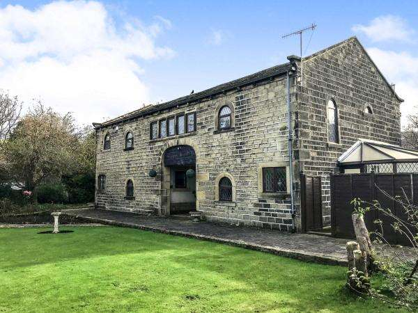 4 Bedrooms Detached House for sale in Kingsley Court, Skipton Road, Cross Hills BD20 7DS
