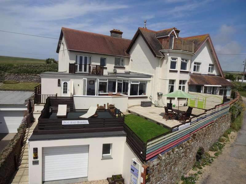 3 Bedrooms Apartment Flat for sale in Crooklets, Bude