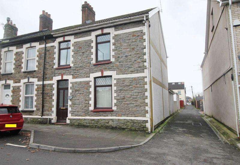 3 Bedrooms End Of Terrace House for sale in Station Terrace, Pontyclun, CF72 9ES