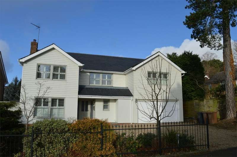 5 Bedrooms Detached House for sale in 17 Thorn Grove, Bishop's Stortford