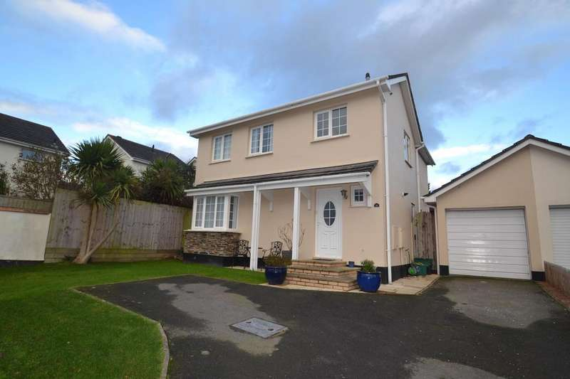 4 Bedrooms Detached House for sale in Lane Field Road, Bideford