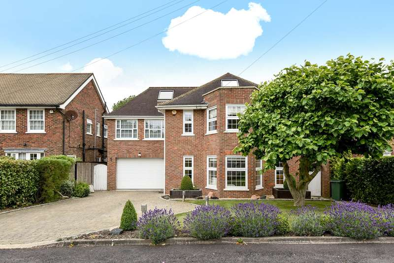 6 Bedrooms Detached House for sale in Halland Way, Northwood