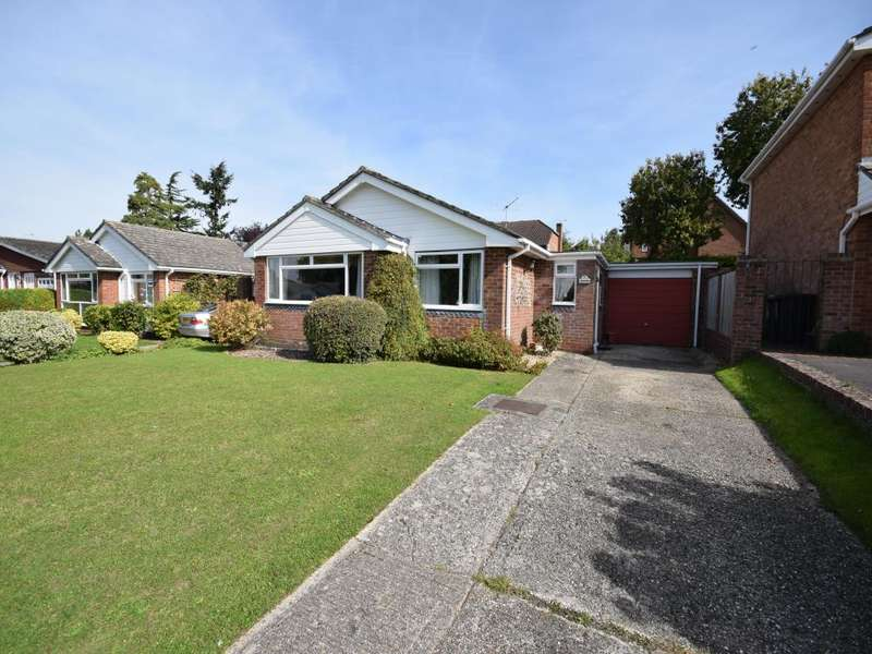 3 Bedrooms Bungalow for sale in Oakley, Basingstoke, RG23