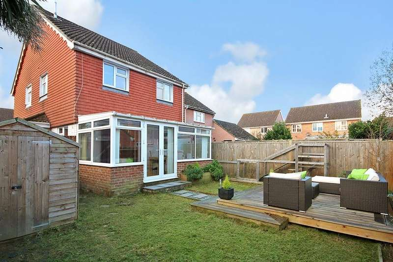 2 Bedrooms Semi Detached House for sale in Cypress Avenue, Worthing BN13 3PS