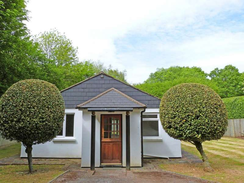 2 Bedrooms Detached Bungalow for rent in Little Wildings, Markstakes Lane, South Chailey, East Sussex, BN8