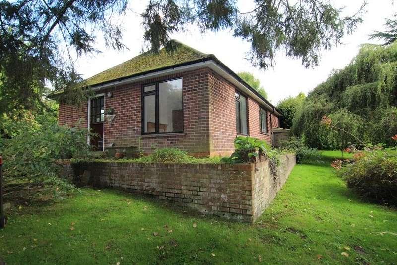 3 Bedrooms Detached Bungalow for sale in Church Lane, Finchampstead, Wokingham, Berkshire, RG40 4LU