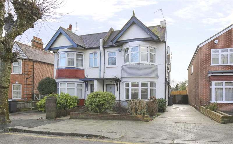 4 Bedrooms Semi Detached House for sale in Langley Park, Mill Hill, London, NW7