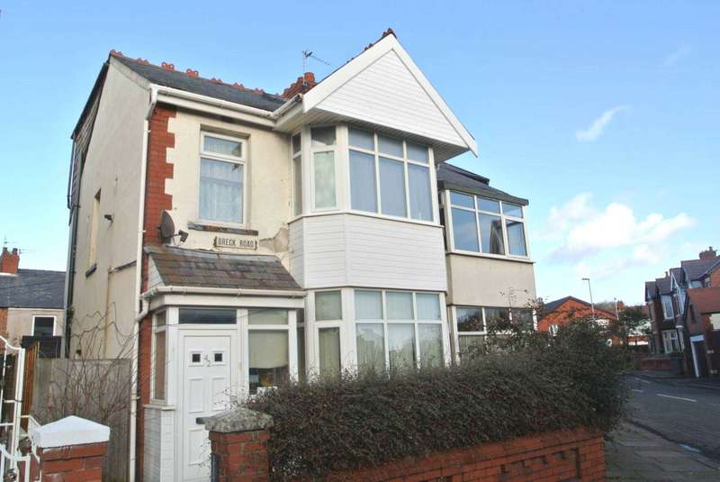 5 Bedrooms Semi Detached House for sale in Breck Road, Blackpool, FY3 9DT
