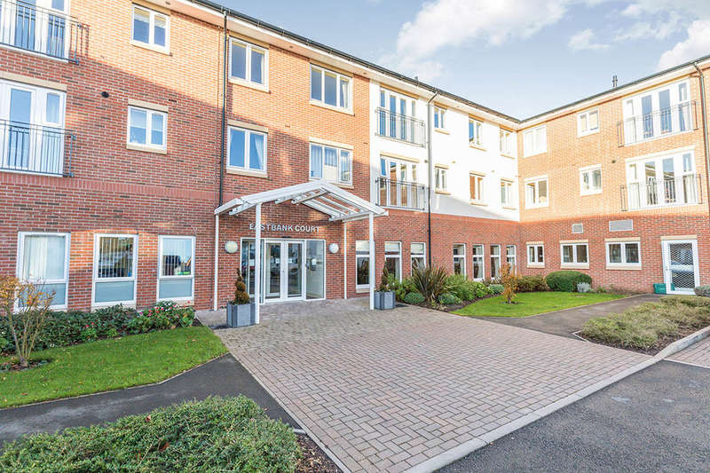 1 Bedroom Flat for sale in Eastbank Drive, Worcester, WR3