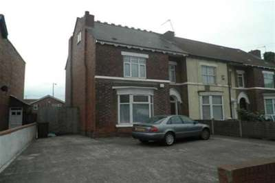 2 Bedrooms Flat for rent in Bescot Road WS1 Walsall