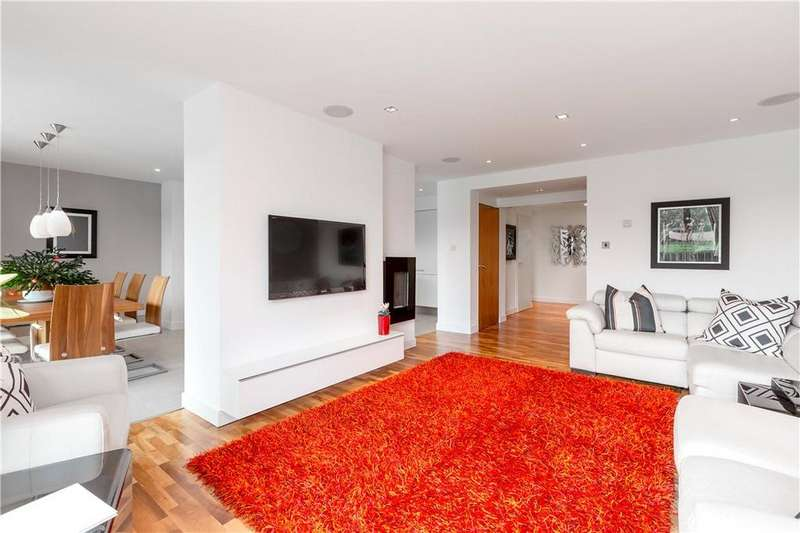 3 Bedrooms Flat for sale in Barnton Avenue West, Edinburgh, Midlothian, EH4