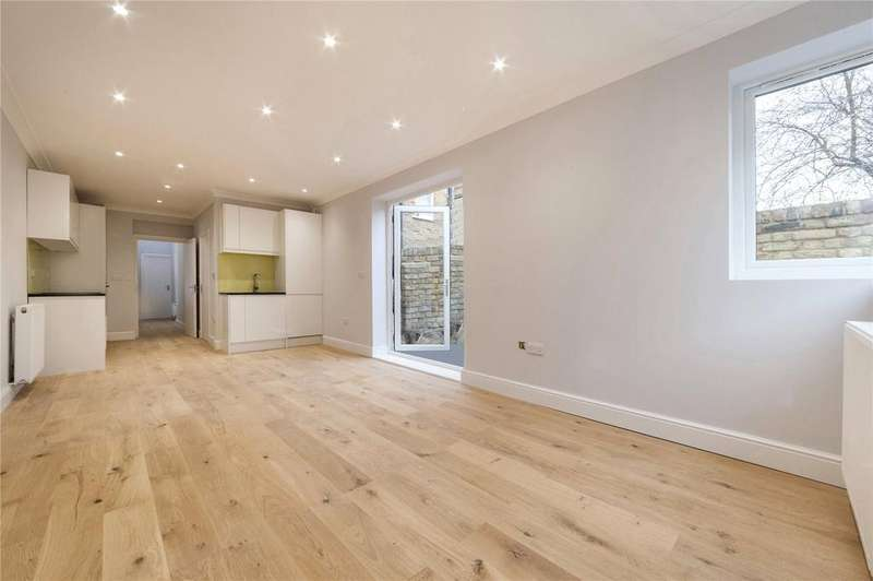 2 Bedrooms Flat for sale in York Way, London