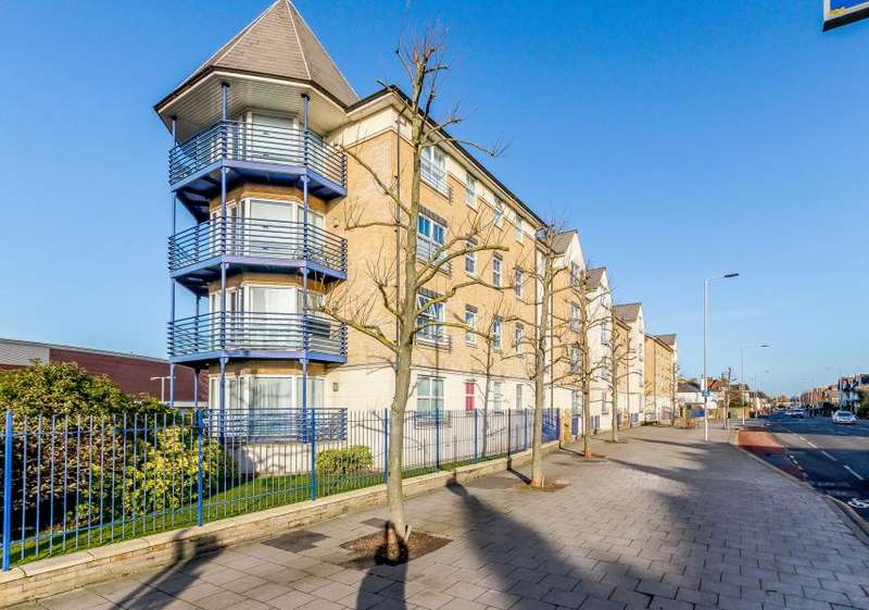 2 Bedrooms Apartment Flat for sale in Kew Court, Richmond Road, Kingston upon Thames KT2