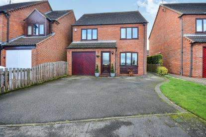 4 Bedrooms Detached House for sale in Lingfield Close, Mansfield, Nottinghamshire