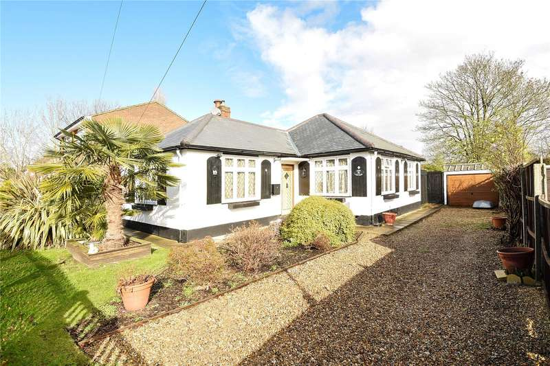 3 Bedrooms Detached Bungalow for sale in Westcote Rise, Ruislip, Middlesex, HA4