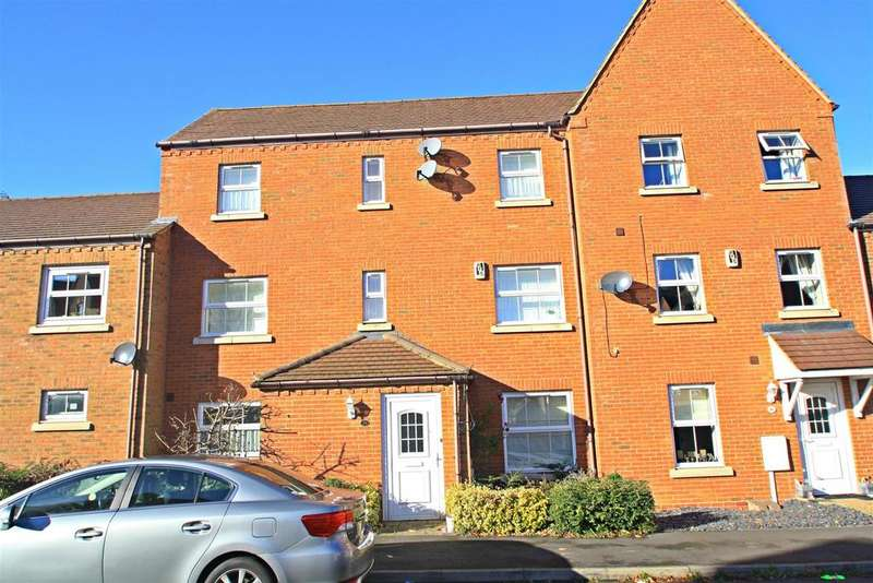 4 Bedrooms Town House for sale in Colossus Way, Bletchley, Milton Keynes