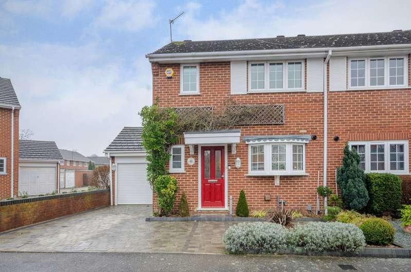 3 Bedrooms House for sale in Gladbeck Way, Enfield, EN2
