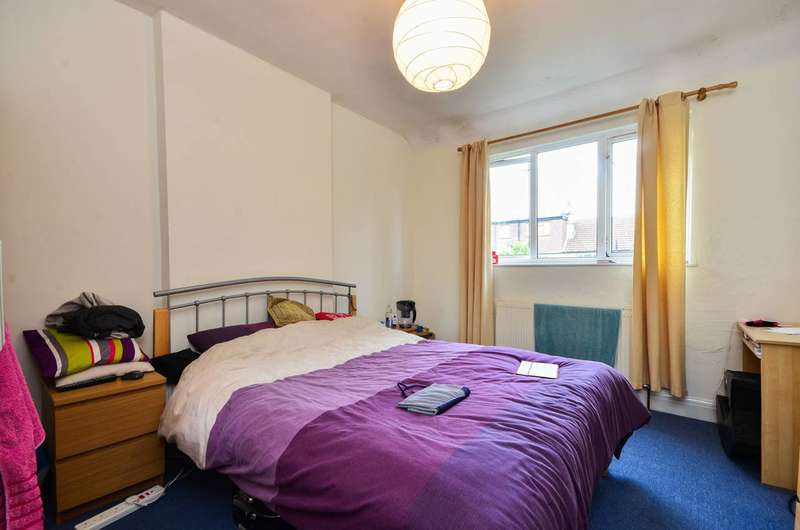 3 Bedrooms House for sale in Carnforth Road, Streatham, SW16